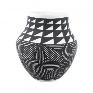 Acoma Native American Hand Crafted Pot By Artist Zelda Garcia YX97463