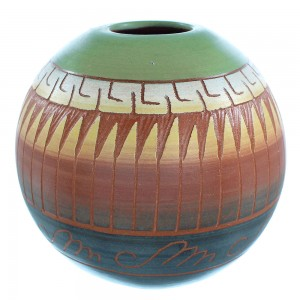 American Indian Navajo Hand Crafted Pottery- By Artist Marilyn Kinlichee TX103677