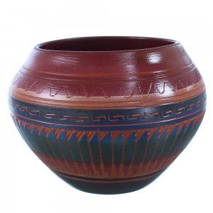 Hand Crafted Pot By Navajo Artist Bernice Watchman Lee SX108285