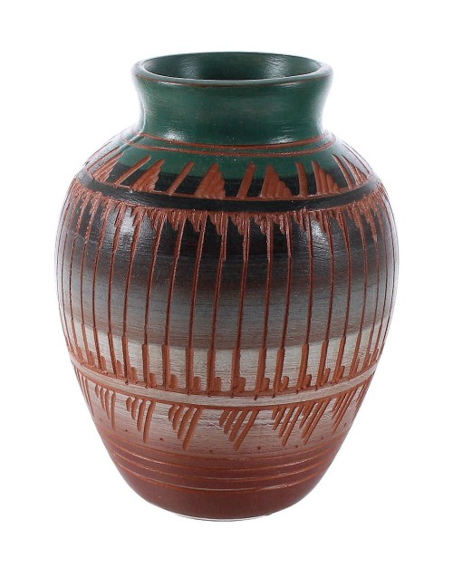 Navajo Hand Crafted Pottery -  Native American Vase By Artist Bernice Watchmen Lee YX97137